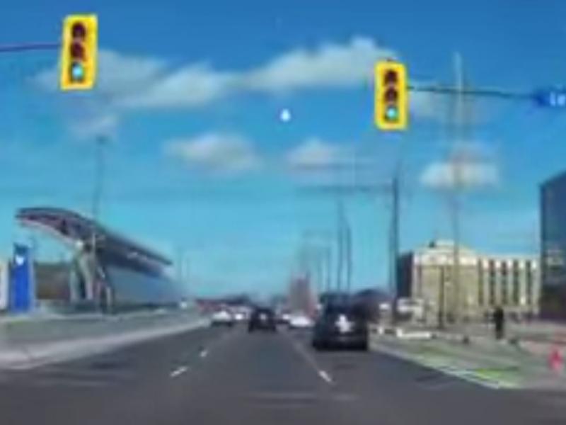 «Bola de fogo» filmada nos céus do Canadá (Reprodução /Youtube /ccinhk)