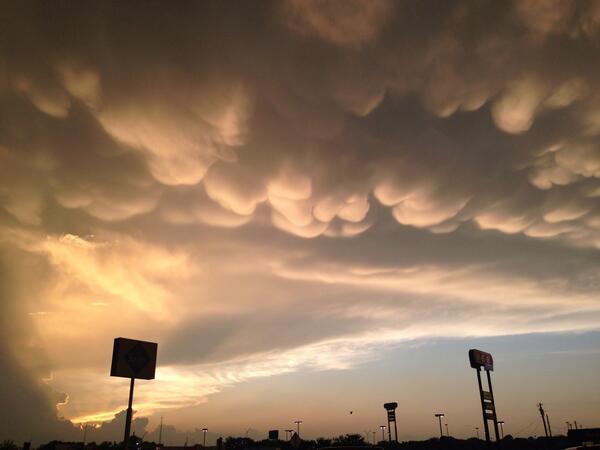 Mammatus Clouds (Twitter Tori)