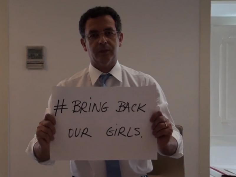Seguro junta-se à campanha contra os raptos na Nigéria (Reprodução / Facebook)