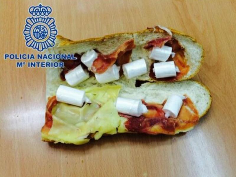 Sandes com cocaína (Foto: Polícia espanhola)