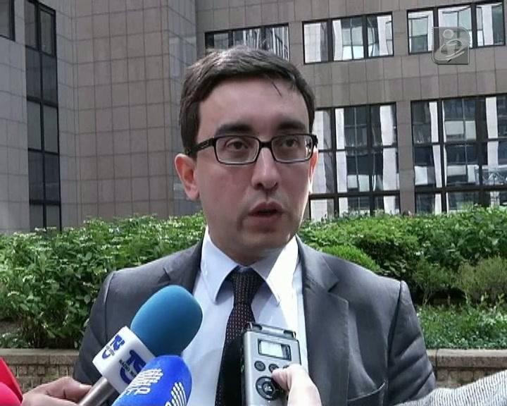 «Esperamos que as duas partes na Ucrânia dêem sinais de desanuviamento»
