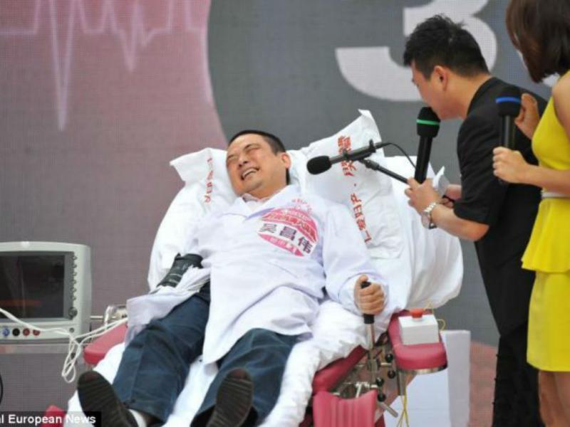 China: homens experimentam dores do parto (Reprodução)