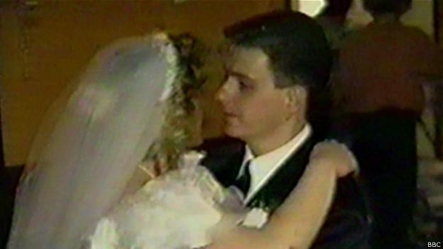 Britânica acorda do coma ao ouvir canção do casamento (Reprodução BBC)