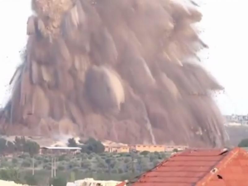 Rebeldes sírios explodem base militar do governo (Reprodução / Youtube /gozhda/SkyNews)