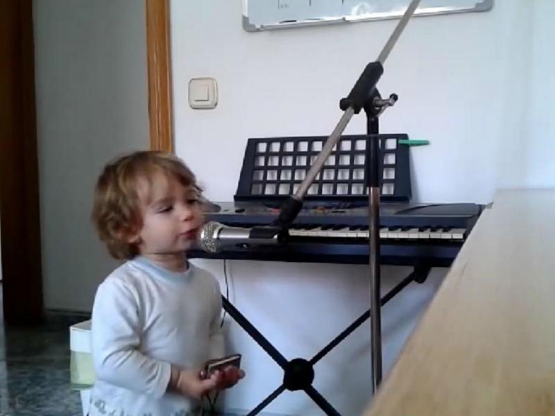 Luca, o menino que canta blues como gente grande (YouTube)