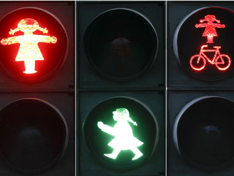 Semáforos para mulheres (REUTERS)