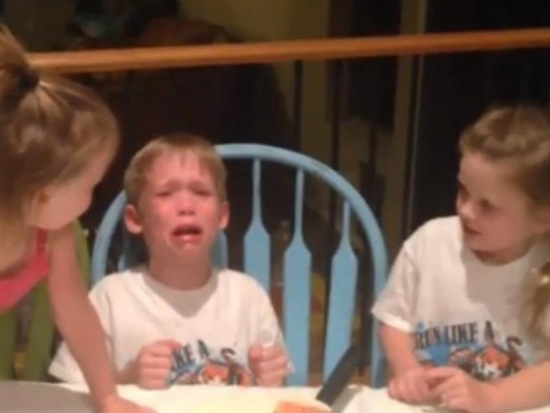 Este rapaz não quer mais irmãs