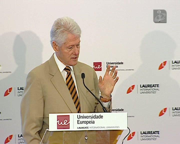 Bill Cliton elogia Portugal e defende reestruturação da dívida