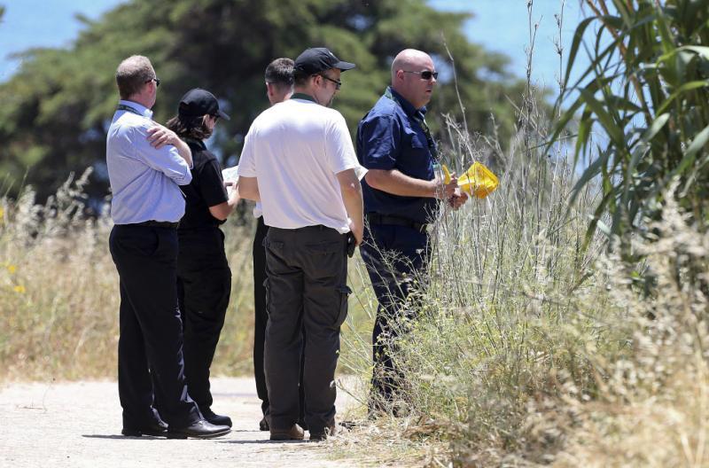 Scotland Yard dirige buscas na Praia da Luz, 2 de junho Foto: Reuters