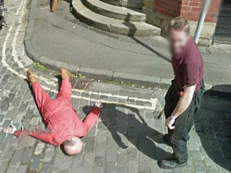«Homicídio» captado pelo Google Street View alerta a polícia