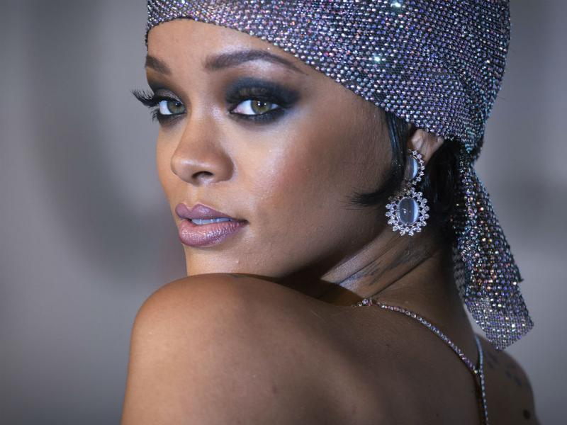 Rihanna «quase nua» na entrega dos Prémios CFDA (Reuters)