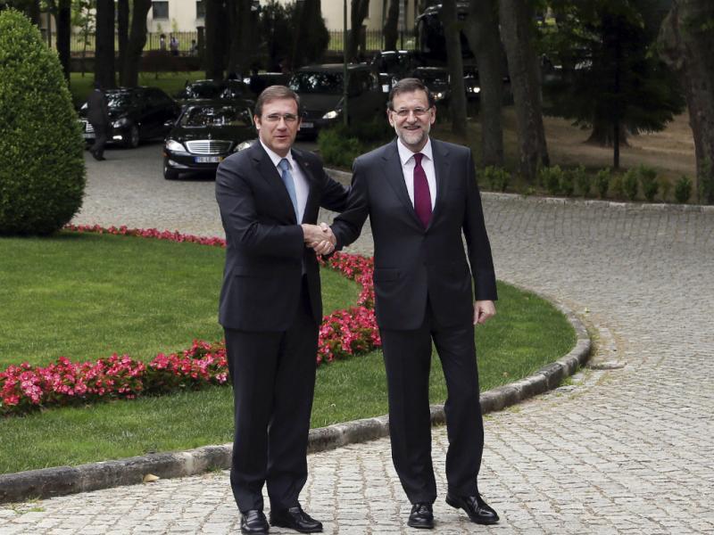 Passos Coelho e Mariano Rajoy na cimeira ibérica (LUSA)