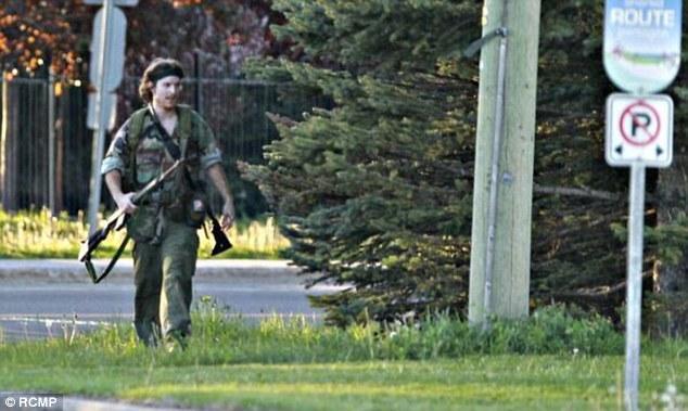 Homem vestido de rambo mata três polícias no Canadá (Foto divulgada pela polícia)