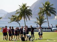 Capoeira no treino da Seleção de Inglaterra (Reuters)