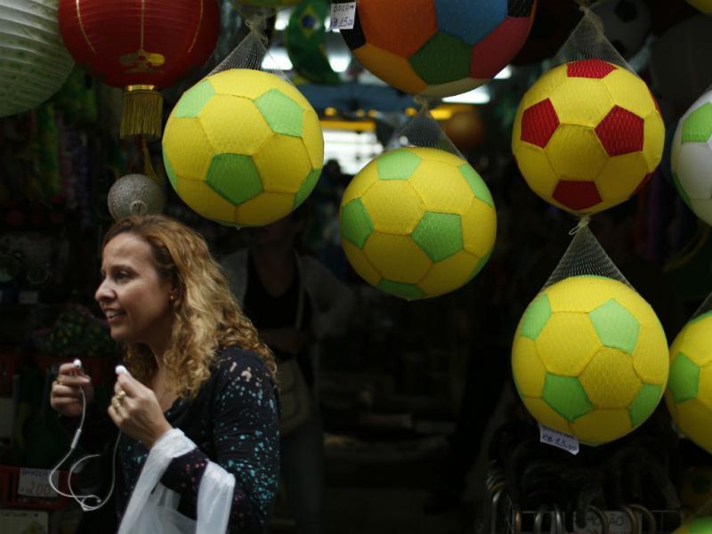 Mundial nas ruas do Rio de Janeiro (Reuters)