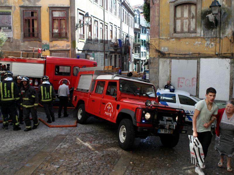 Incêndio na Sé do Porto faz um ferido (Lusa)