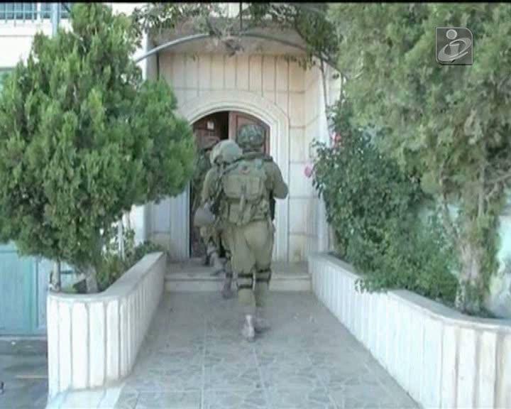 Sequestro de israelitas leva à detenção de dezenas de palestinianos