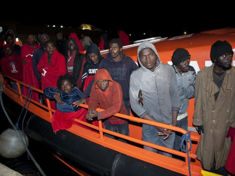 Imigrantes na costa espanhola (EPA/LUSA)