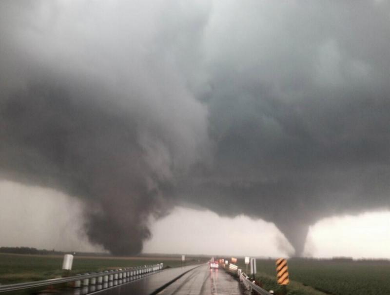 Tornados gémeos no Nebraska (Twitter)