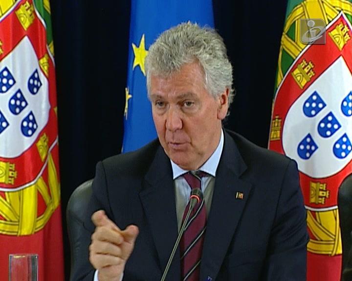 Governo repõe cortes nos subsídios de férias da função pública