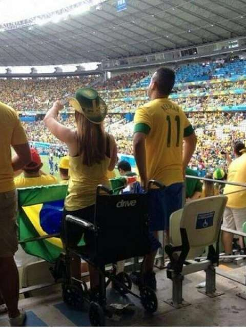 Milagre no mundial (Foto: Twitter)