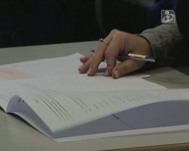 Milhares de alunos fazem provas que contam para o acesso à universidade