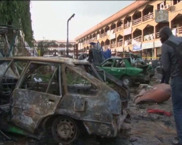 21 mortos na explosão de uma bomba num centro comercial na Nigéria