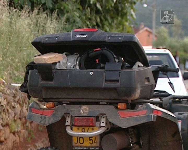 Despiste de moto-4 mata criança de quatro anos