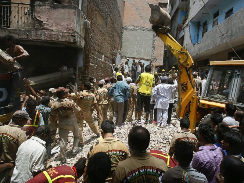 Colapso de edifício na capital da Índia faz vários mortos (Reuters)