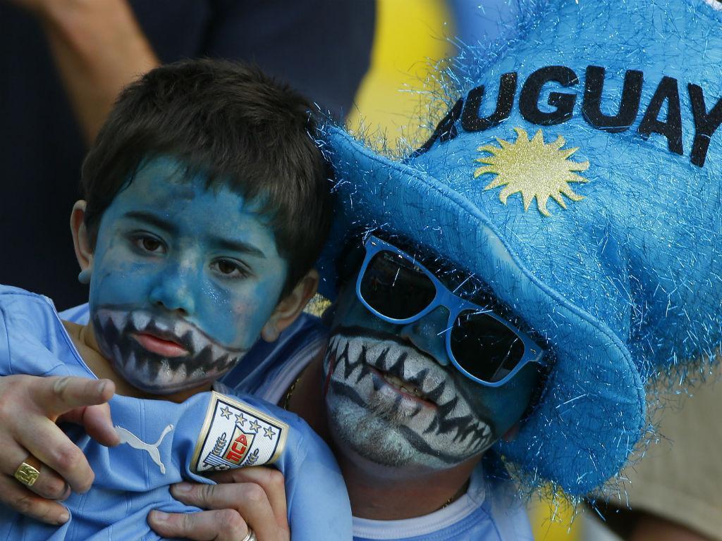 Adeptos no Colômbia-Uruguai (Reuters)