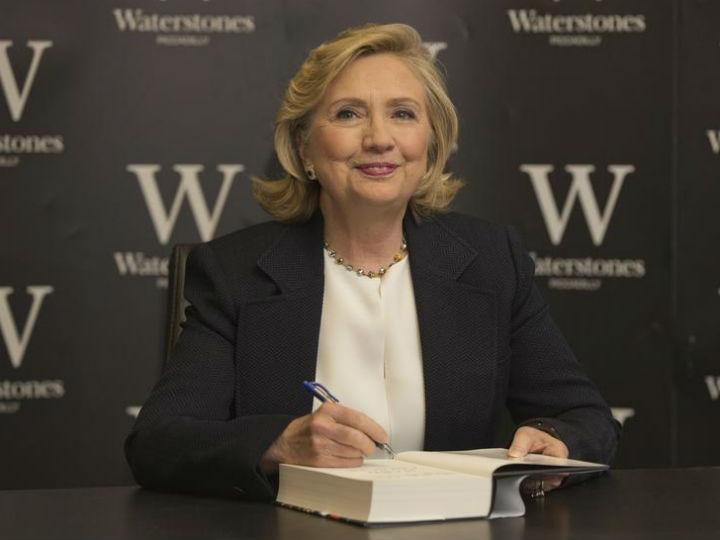 Hillary Clinton em Londres [Reuters]