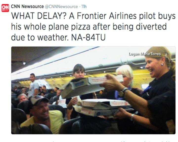 Um piloto de uma companhia aérea norte-americana ofereceu pizzas a 160 passageiros (Twitter)
