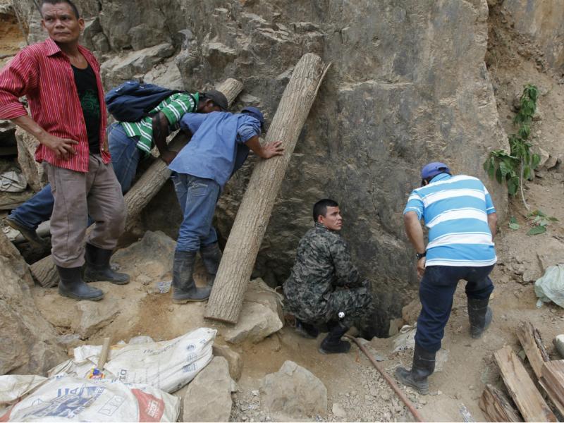 Trabalhadores ficam presos em mina nas Honduras (Reuters)