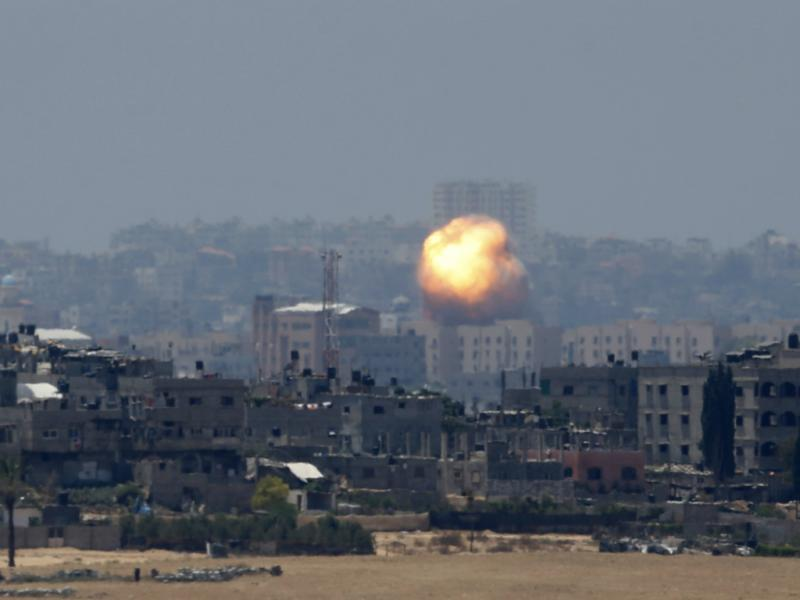 Israel ataca Gaza com centenas de «raides» (Reuters)