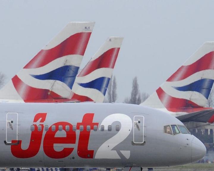 Mulher afirma que funcionários da companhia aérea Jet2 a asseguraram de que estava na porta de embarque correta (Reuters)