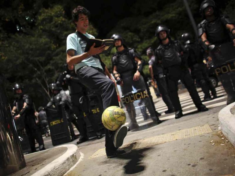 Outros olhares: o Brasil fora dos estádios (Reuters)