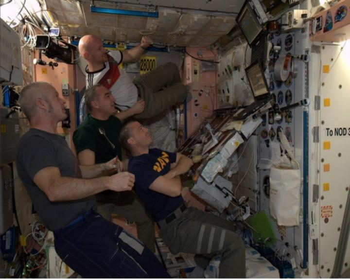 Os astronautas da Estação Espacial Internacional assistiram à final do Mundial do Futebol (Twitter)