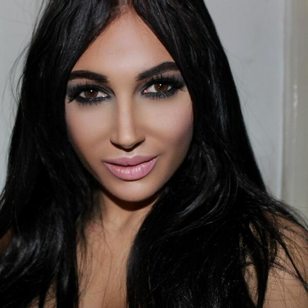 Clone de Kim Kardashian (Foto: Twitter)