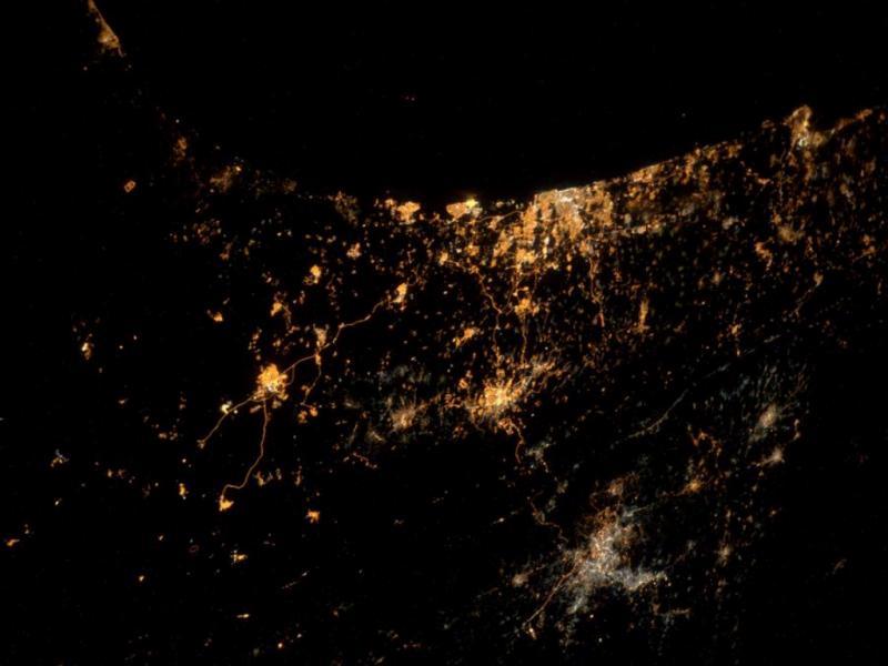 As explosões em Gaza vistas do espaço (Reprodução /Twitter/ Alexander Gerst)