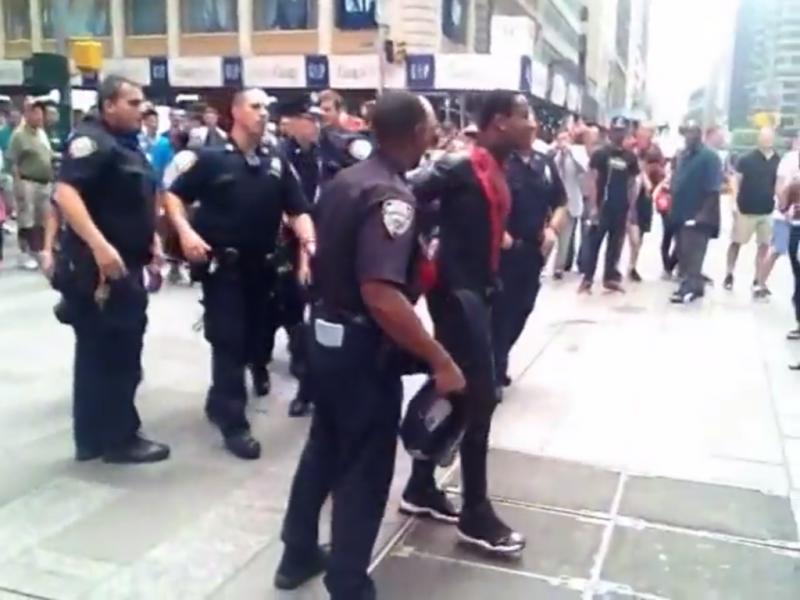 Homem-Aranha» preso por assediar turistas em Times Square