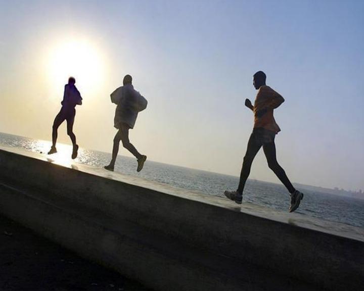 Estudo diz que um minuto de exercício físico por dia, duas vezes por semana, é o suficiente para melhorar a boa forma (Reuters)