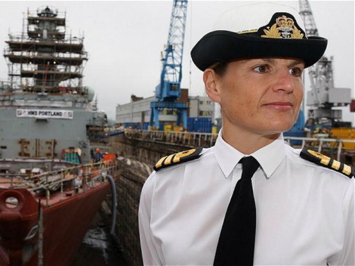 Sarah West foi acusada de relações sexuais a bordo de um navio de guerra da Royal Navy com um subordinado (DR)