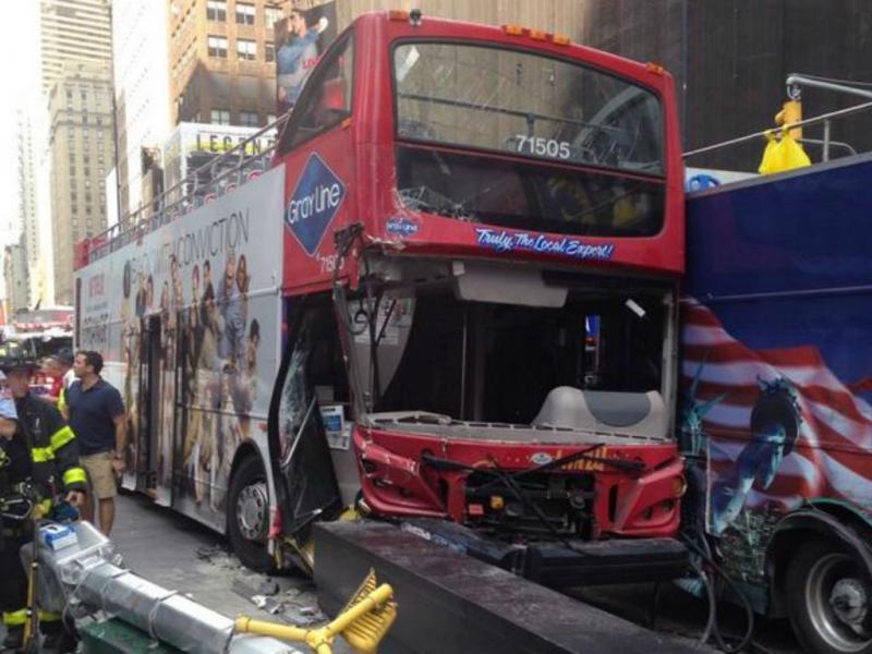 Colisão de autocarros provoca feridos em Nova Iorque (Reprodução Twitter)