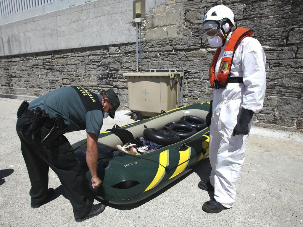 Imigrantes resgatados no Estreito de Gibraltar [Lusa]