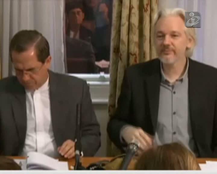 Assange vai deixar «em breve» embaixada do Equador em Londres