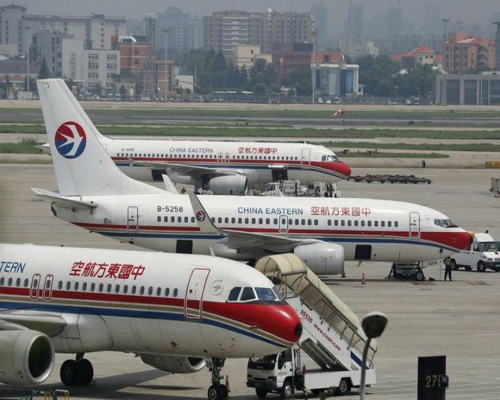 Avião da «China Eastern Airlines» teve que adiar a aterragem depois de dois controladores de tráfego aéreo terem adormecido (Reuters)