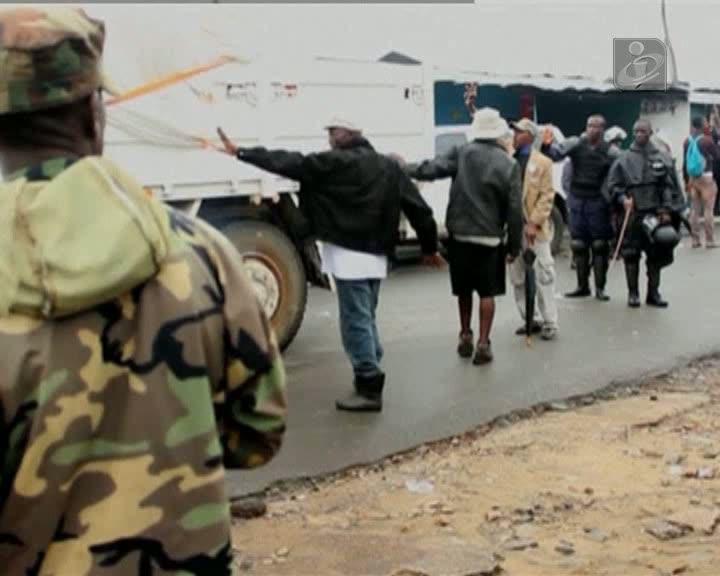 Ébola: zonas de quarentena na Libéria têm falta de comida, água e combustível