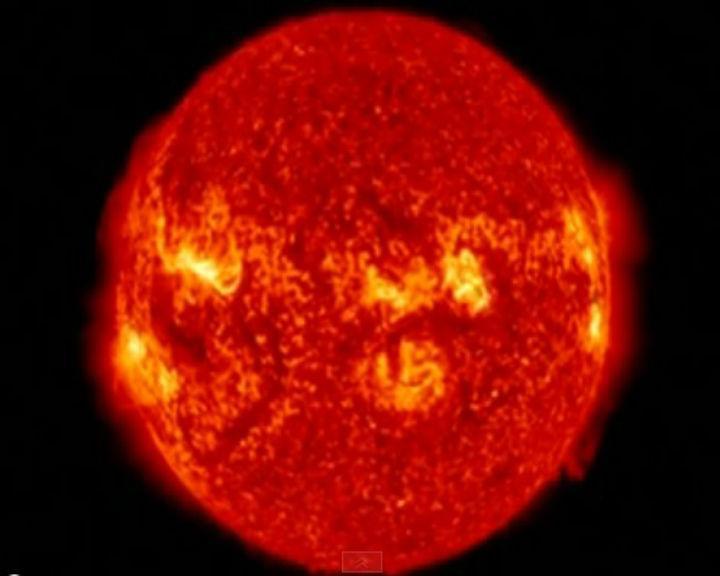 NASA capta imagens incríveis de erupções solares (YouTube)