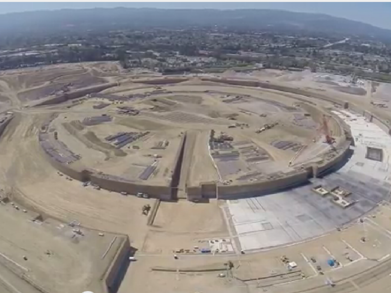 Drone mostra construção de Campus da Apple [Foto: Reprodução/YouTube/jmcminn]