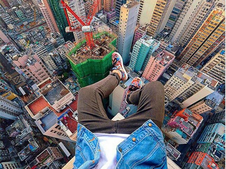 A nova tendência da fotografia nas redes sociais é subir ao topo de arranha-céus para captar as melhores imagens (Instagram)
